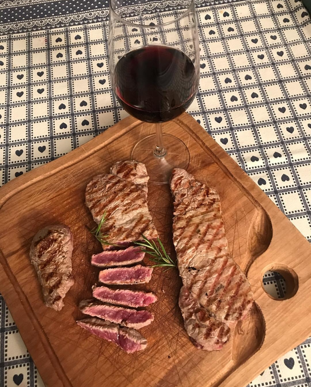 Abbinamento vino e tagliata di manzo