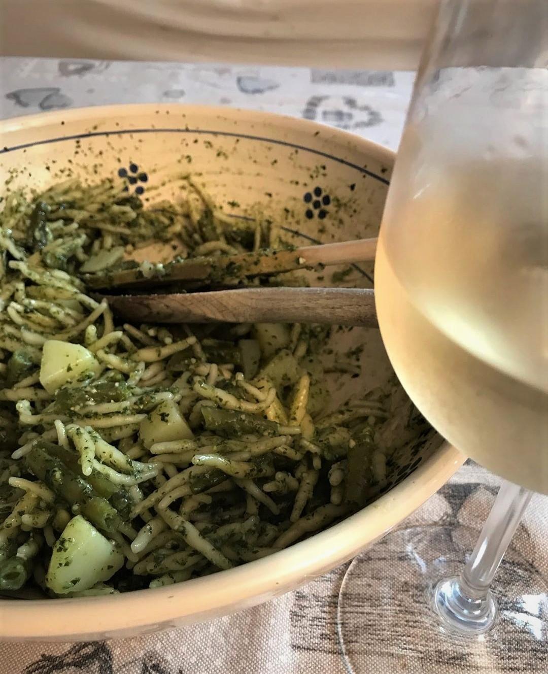 Abbinamento vino e trofie al pesto