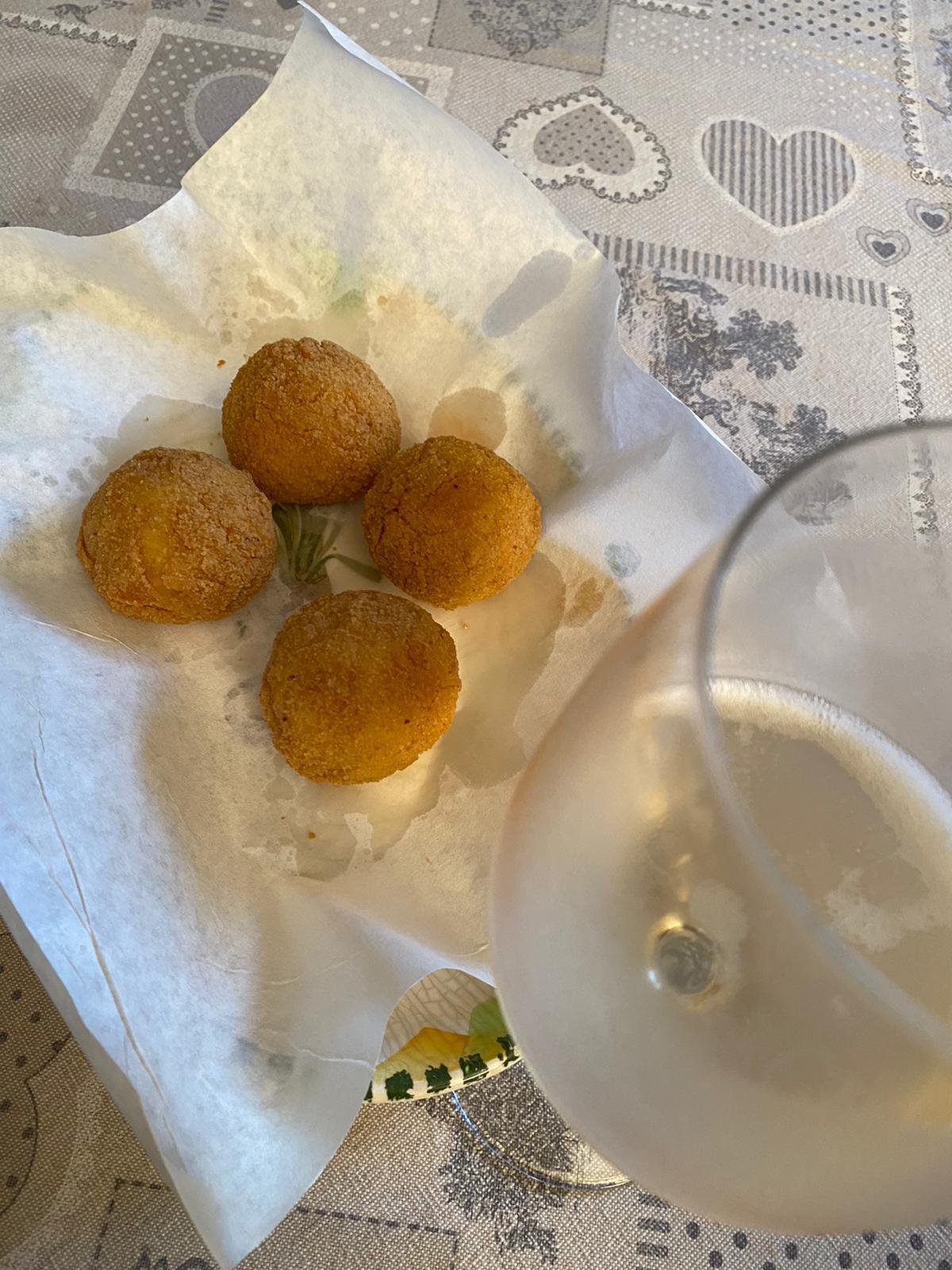 Abbinamento vino e arancini