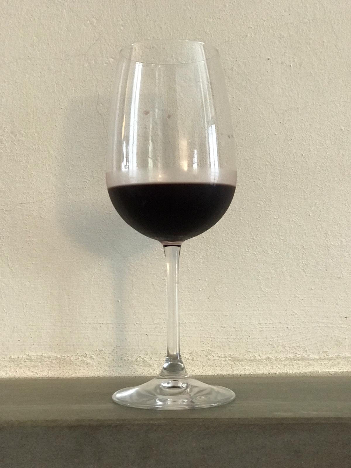 La quantità ideale di vino rosso in un bicchiere