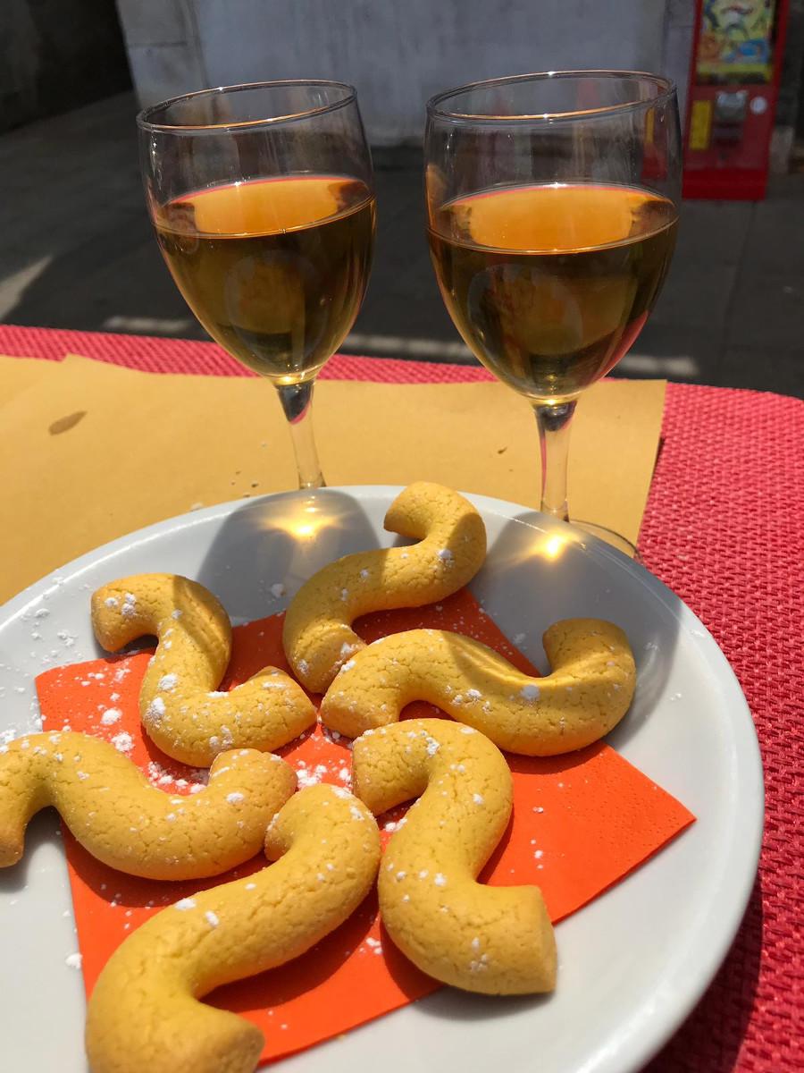 Abbinamento Vino e Bussolai di Burano