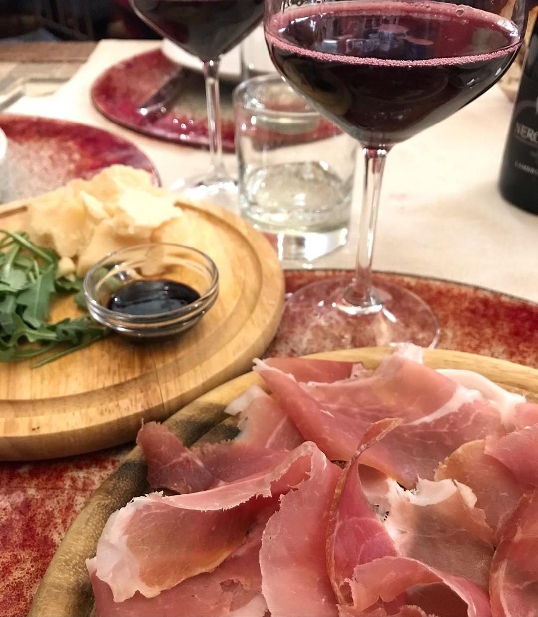 Abbinamento vino e prosciutto di Parma
